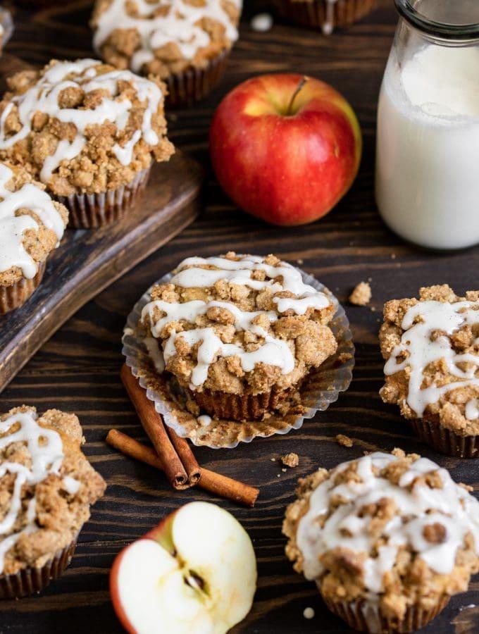 apple cinnamon muffins with vanilla bean glaze