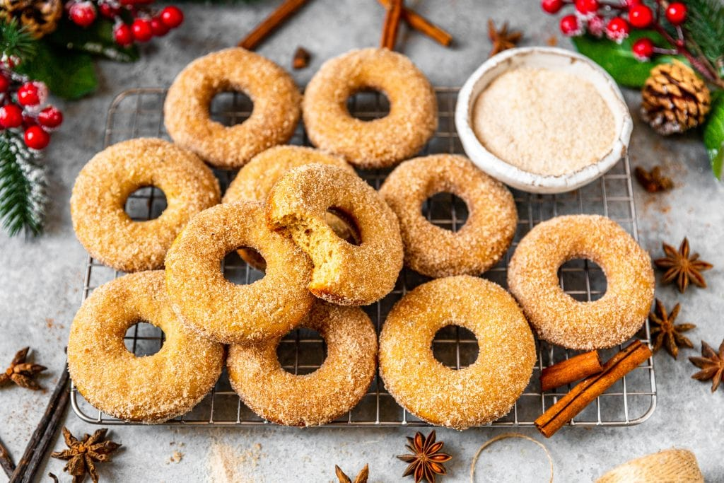 Vanilla Chai Baked Donuts